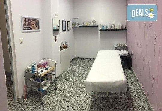 Ултразвуково почистване на лице с козметика Dermacode, серум със салицилова киселина и бонус: прахообразен пилинг с микродермабразио в Ивелина студио! - Снимка 6