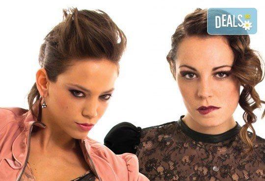 Гледайте седем великолепни актриси в хитовия спектакъл Тирамису на 17.11. от 19.00 ч., в Театър София! - Снимка 4