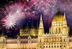 Нова Година 2017 в Будапеща: 3 нощувки със закуски в хотел 3*/4*, транспорт и програма