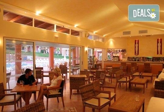 Нова година в Olympion village 3*+ на остров Корфу, Гърция! 3 нощувки със закуски и вечери, транспорт и програма! - Снимка 4
