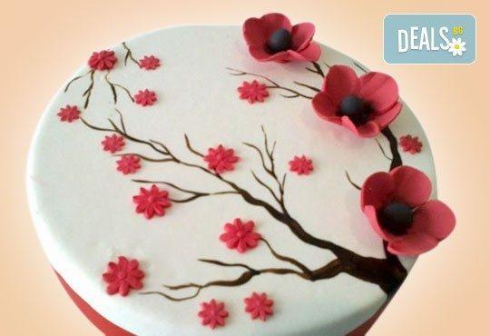 Празнична торта Честито кумство с пъстри цветя, дизайн сърце или златни орнаменти от Сладкарница Джорджо Джани - Снимка 14