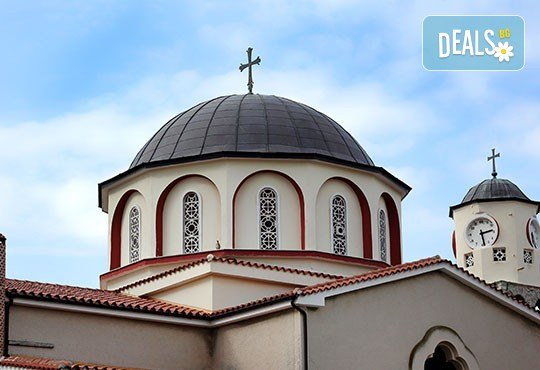 Нова година в Кавала, Гърция: 2 нощувки със закуски и празнична вечеря, водач и транспорт от Имтур! - Снимка 8