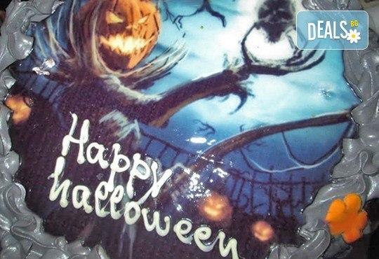 Неделно детско HALLOWEEN парти: два часа с аниматор Хелуин вещица, пица, атракциони, торта и бонбони на 30-ти октомври (неделя) от 18:30 часа! - Снимка 2