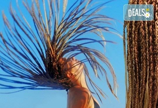 Ефектна прическа всеки ден! Афроплитки - удължаване и сгъстяване на косата с прежда или естествена коса в цвят по избор в Golden Angel! - Снимка 1