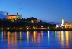 Декември в Прага и Братислава: 3 нощувки със закуски и транспорт