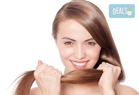 Терапия против косопад с реконструкция на косъма, сешоар и стайлинг по избор от Енигма в Пловдив и Варна - Снимка 1