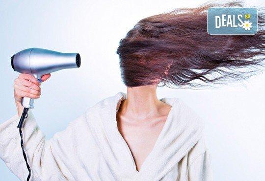 Терапия против косопад с реконструкция на косъма, сешоар и стайлинг по избор от Енигма в Пловдив и Варна - Снимка 2