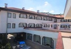 Брацигово, СПА хотел Виктория: 1 нощувка, закуска, обяд и вечеря на човек
