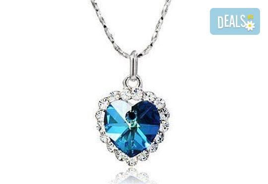 Открийте подходящия подарък за нея! Стилно и изискано колие във форма на сърце от Present For You! - Снимка 3