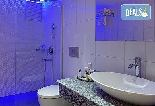 Нова година 2017 в Le Bleu Hotel & Resort 5*, Кушадасъ, с Джуанна Травел! 4 нощувки на база All Inclusive, празнична вечеря и възможност за транспорт! - Снимка 4