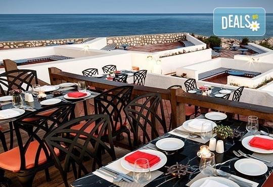 Нова година 2017 в Le Bleu Hotel & Resort 5*, Кушадасъ, с Джуанна Травел! 4 нощувки на база All Inclusive, празнична вечеря и възможност за транспорт! - Снимка 5