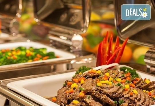 Нова година 2017 в Le Bleu Hotel & Resort 5*, Кушадасъ, с Джуанна Травел! 4 нощувки на база All Inclusive, празнична вечеря и възможност за транспорт! - Снимка 6