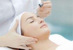 Почистване на лице с ултразвук и подарък - масаж с ампула на медицинска козметика DR.BELLTER в салон Хармония! - Снимка