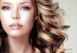 Два или три цвята кичури с професионална боя Милк Шейк, сметана за коса, матиране и оформяне на прическа със сешоар, шиш или преса в студио Beauty! - Снимка
