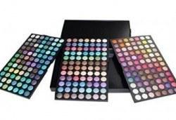 Обичате ли цветовете? Вземете палитра с 252 цвята сенки от NSB Beauty Center! - Снимка