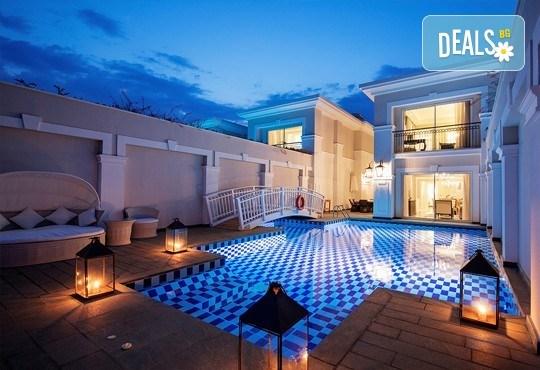 Нова година в Анталия! 4 нощувки на база Ultra All Inclusive в Titanik Deluxe hotel 5 *, Гала вечеря, двупосочен билет, летищни такси и трансфери - Снимка 11