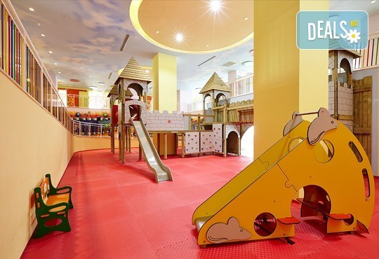 Нова година в Анталия! 4 нощувки на база Ultra All Inclusive в Titanik Deluxe hotel 5 *, Гала вечеря, двупосочен билет, летищни такси и трансфери - Снимка 16