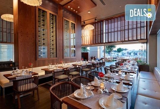 Нова година в Анталия! 4 нощувки на база Ultra All Inclusive в Titanik Deluxe hotel 5 *, Гала вечеря, двупосочен билет, летищни такси и трансфери - Снимка 8
