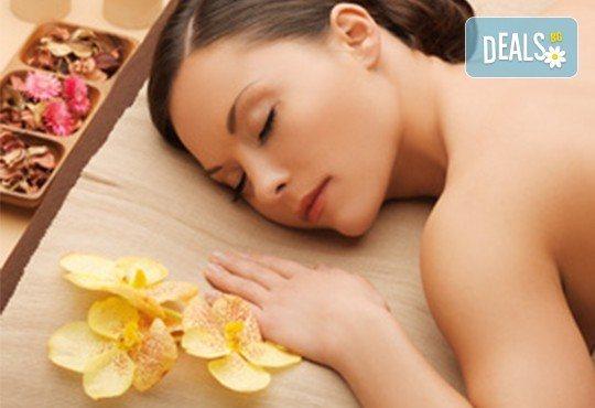 Делничен релакс с аромат на жожоба! Насладете се на цялостен масаж с ароматни масла - ирис, роза, алое, жасмин и жожоба в СПА център Senses Massage & Recreation! - Снимка 2