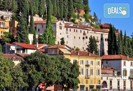 Предколеден шопинг в Италия! Екскурзия до Верона и Венеция: 4 дни, 2 нощувки със закуски, транспорт и екскурзовод от Комфорт Травел! - Снимка 2