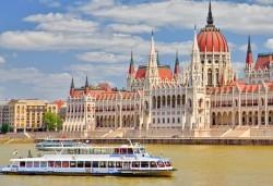 Предколедна екскурзия до Будапеща: 2 нощувки, 2 закуски и 1 вечеря в Classic Hotel 3*