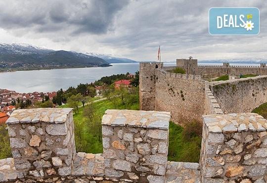 Предколедна екскурзия до Охрид! 2 нощувки със закуски и вечери в хотел 2/3*, транспорт и програма в Скопие! - Снимка 1