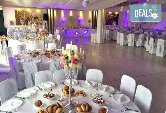 Посрещнете сръбската Нова година в Пирот през януари! 1 нощувка със закуска и празнична вечеря в хотел Dijana 3*, транспорт - Снимка 3