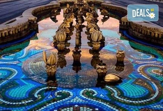 Еднодневна екскурзия до Букурещ, наричан Малкият Париж, с Бамби М Тур! Транспорт, екскурзовод и програма! - Снимка 3