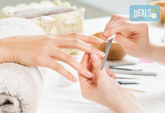 Перфектни ръце! Маникюр с гел лак SNB в Chocolate & Beauty - Снимка 2