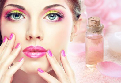 Ново от студио за красота Galina - ароматерапия с продукти от Rosa Damascena за вашите ръце с класически маникюр с лак SNB или маникюр с гел лак Bluesky! - Снимка