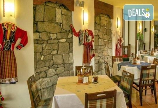 Коледни празници в Родопите! 2 нощувки, 2 закуски и празнична вечеря, ползване на термален басейн и сауна в СПА Хотел Девин 4* и транспорт! - Снимка 7
