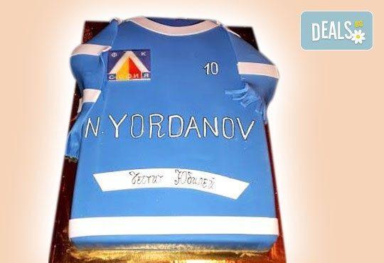 Фирмена торта с лого, индивидуален дизайн и брой парчета по избор от Сладкарница Джорджо Джани - Снимка 12