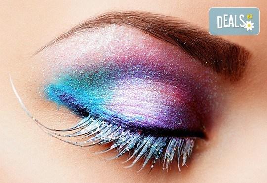 Красиви и естествени вежди с траен ефект - технология 3D микроблейдинг, чрез метода косъм по косъм в Работилничка за красота - Снимка 1