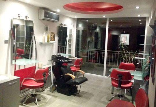Масажно измиване, терапия по избор и оформяне на прическа със сешоар в салон за красота Sassy! - Снимка 4