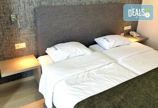 Предколедна екскурзия в Солун с Дениз Травел! 1 нощувка със закуска в хотел Mandrino 3*, транспорт и шопинг в Mediterranean Cosmos - Снимка 3