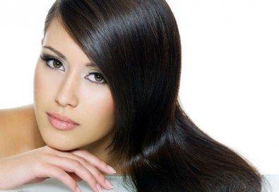 Ботокс терапия за изтощена коса със или без подстригване по избор и оформяне със сешоар в N&S Fashion зелен салон! - Снимка