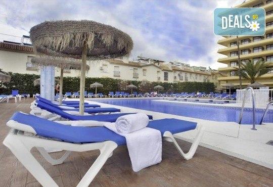 Нова година в Коста Дел Сол, Испания! 5 нощувки със закуски и вечери в Hotel Gran Cervantes 4*, Новогодишна вечеря, самолетен билет, трансфери - Снимка 12