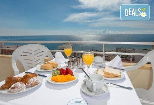 Нова година в Коста Дел Сол, Испания! 5 нощувки със закуски и вечери в Hotel Gran Cervantes 4*, Новогодишна вечеря, самолетен билет, трансфери - Снимка 7