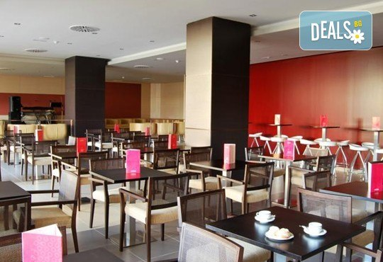 Нова година в Коста Дел Сол, Испания! 5 нощувки със закуски и вечери в Hotel Gran Cervantes 4*, Новогодишна вечеря, самолетен билет, трансфери - Снимка 10