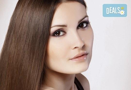 Защитете лицето си от ниските температури с парафинова терапия с еластин и колаген, пилинг и 20% отстъпка от козметичниите процедурите в студио Нимфея - Снимка 3
