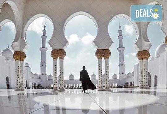 За Свети Валентин - на плаж и шопинг в Дубай! 7 нощувки със закуски в Hotel City Max Al Barsha 3*, самолетен билет, летищни такси и трансфери! - Снимка 2