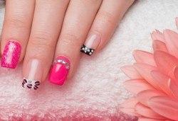 Безупречни нокти всеки ден и за дълго! Вземете маникюр с гел лак Gelish и красиви, авторски декорации по желание в салон Kult Beauty! - Снимка