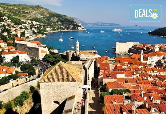 Адриатическа приказка в Хърватия и Черна гора! Екскурзия до Дубровник, Котор и Будва: 4 нощувки, закуски, вечери и транспорт - Снимка 2