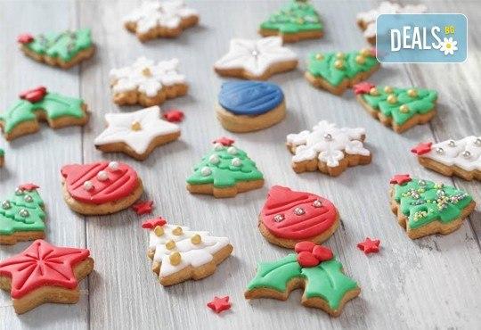 75 броя (един килограм) коледно-новогодишни меденки и бисквити с празнична декорация от Muffin House! - Снимка 3