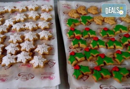 75 броя (един килограм) коледно-новогодишни меденки и бисквити с празнична декорация от Muffin House! - Снимка 7