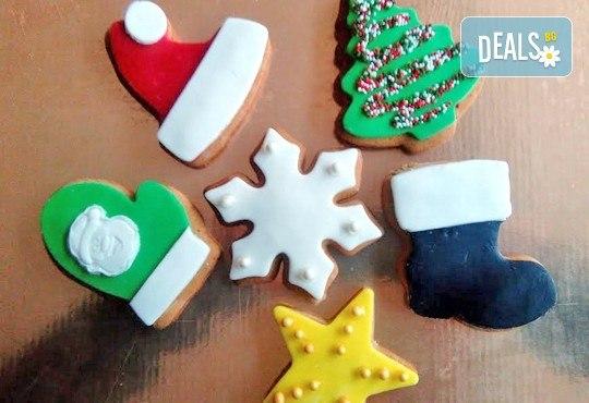 75 броя (един килограм) коледно-новогодишни меденки и бисквити с празнична декорация от Muffin House! - Снимка 5