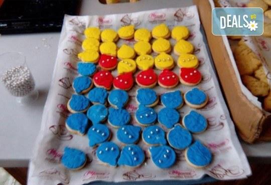 75 броя (един килограм) коледно-новогодишни меденки и бисквити с празнична декорация от Muffin House! - Снимка 6