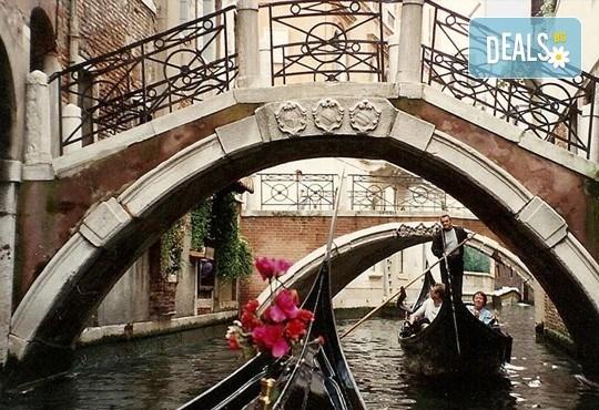 Екскурзия до карнавална Италия и Френската ривиера през февруари! 4 нощувки със закуски, транспорт и водач! - Снимка 13