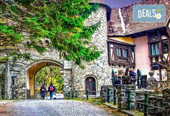 До Букурещ и Трансилвания през март или май! 2 нощувки със закуски и транспорт, посещение на Пелеш, Пелишор, Бран и замъка на Дракула - Снимка 4