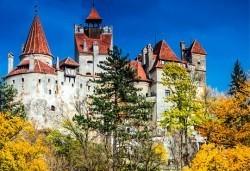 До Букурещ и Трансилвания през март или май! 2 нощувки със закуски и транспорт, посещение на Пелеш, Пелишор, Бран и замъка на Дракула - Снимка